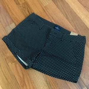 American Eagle black & white polka dot shorts